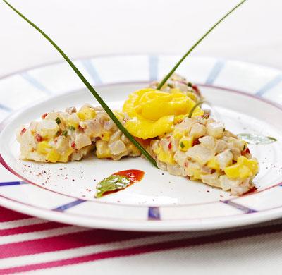 Tartare de daurade la mangue et la moutarde de piment for Cuisinier basque