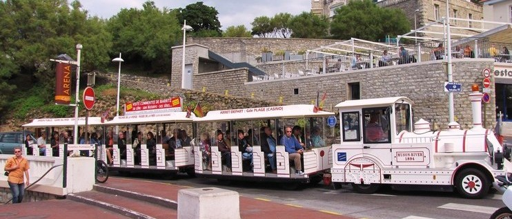 petit-train-touristique-biarritz-1410810019-1422536