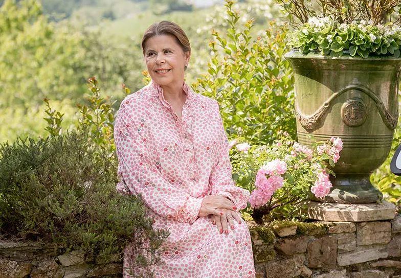 Après un carrière de gériatre, Anne Capdevielle-Toselli a décidé de créer une gamme de cosmétiques bio anti-âge de luxe